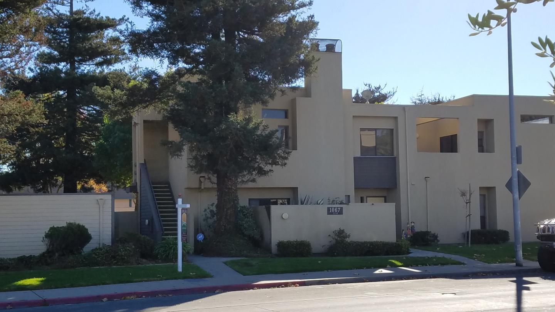 コンドミニアム のために 売買 アット 1067 Padre Drive 1067 Padre Drive Salinas, カリフォルニア 93901 アメリカ合衆国