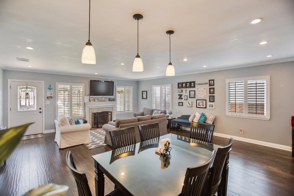 واحد منزل الأسرة للـ Sale في 20927 Halldale Avenue 20927 Halldale Avenue Torrance, California 90501 United States