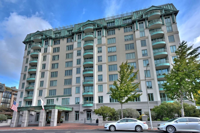 Appartement en copropriété pour l Vente à 601 Laurel Avenue 601 Laurel Avenue San Mateo, Californie 94401 États-Unis