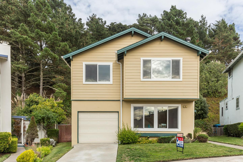 واحد منزل الأسرة للـ Sale في 15 Idlewild Court 15 Idlewild Court Pacifica, California 94044 United States