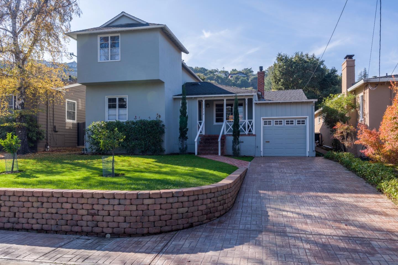 Maison unifamiliale pour l Vente à 712 Tamarack Avenue 712 Tamarack Avenue San Carlos, Californie 94070 États-Unis