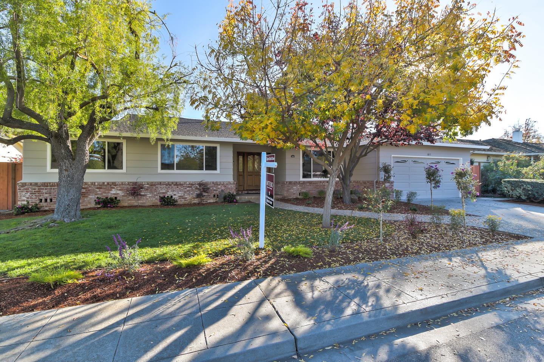 واحد منزل الأسرة للـ Sale في 1855 Fordham Way 1855 Fordham Way Mountain View, California 94040 United States