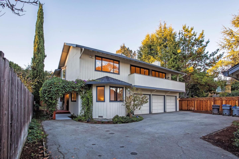 Maison unifamiliale pour l Vente à 302 Monroe Drive 302 Monroe Drive Mountain View, Californie 94040 États-Unis