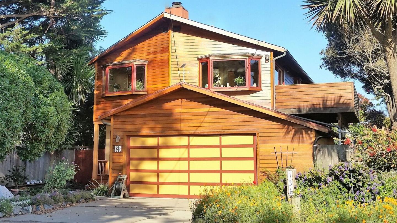 獨棟家庭住宅 為 出售 在 136 La Grande Avenue 136 La Grande Avenue Moss Beach, 加利福尼亞州 94038 美國