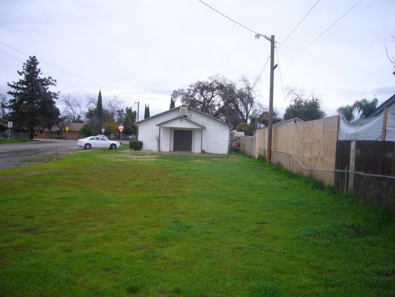 Comercial por un Venta en 620 Glenn Avenue 620 Glenn Avenue Modesto, California 95358 Estados Unidos