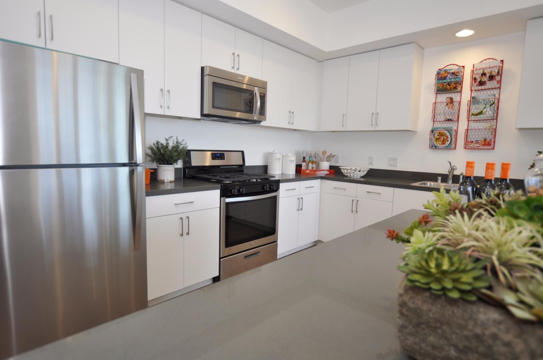 شقة بعمارة للـ Rent في 651 W Hamilton Avenue 651 W Hamilton Avenue Campbell, California 95008 United States