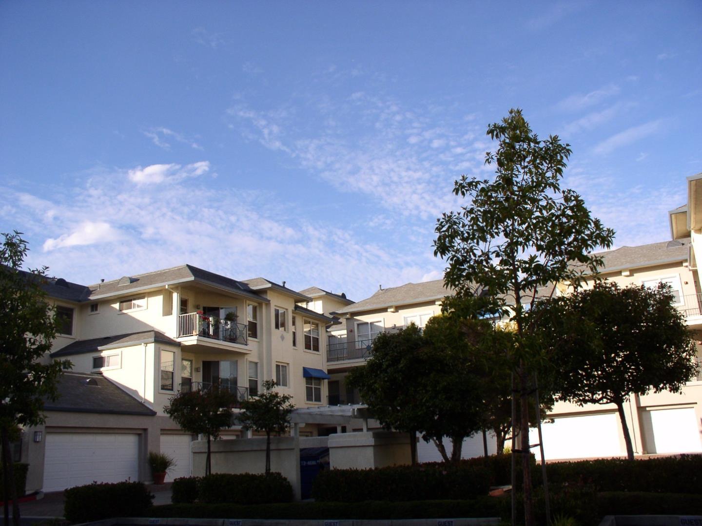 コンドミニアム のために 賃貸 アット 1000 Davit Lane 1000 Davit Lane Redwood City, カリフォルニア 94065 アメリカ合衆国