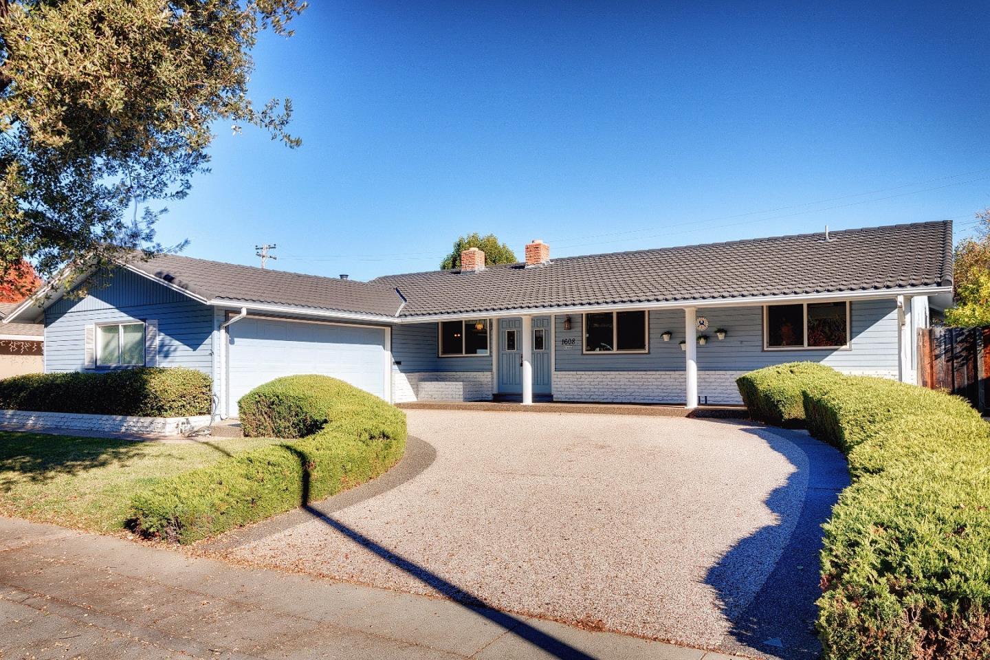 Single Family Home for Sale at 1608 Kennewick Drive 1608 Kennewick Drive Sunnyvale, California 94087 United States