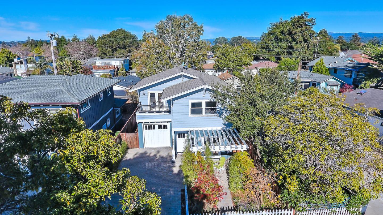 獨棟家庭住宅 為 出售 在 4625 Emerald Street 4625 Emerald Street Capitola, 加利福尼亞州 95010 美國