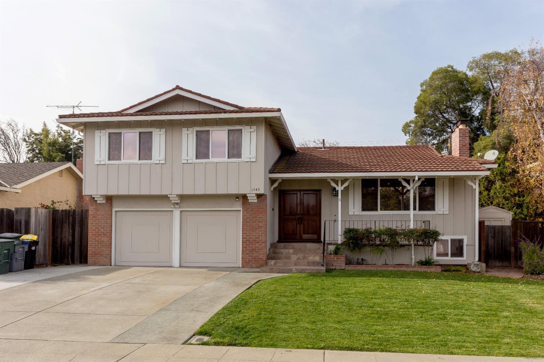 Maison unifamiliale pour l Vente à 1543 Bittern Drive 1543 Bittern Drive Sunnyvale, Californie 94087 États-Unis