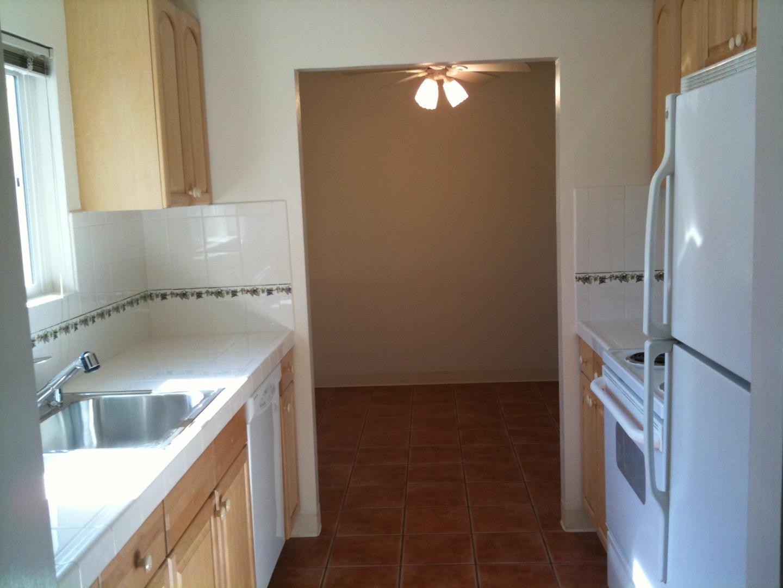 شقة بعمارة للـ Rent في 510 Lassen Street 510 Lassen Street Los Altos, California 94022 United States