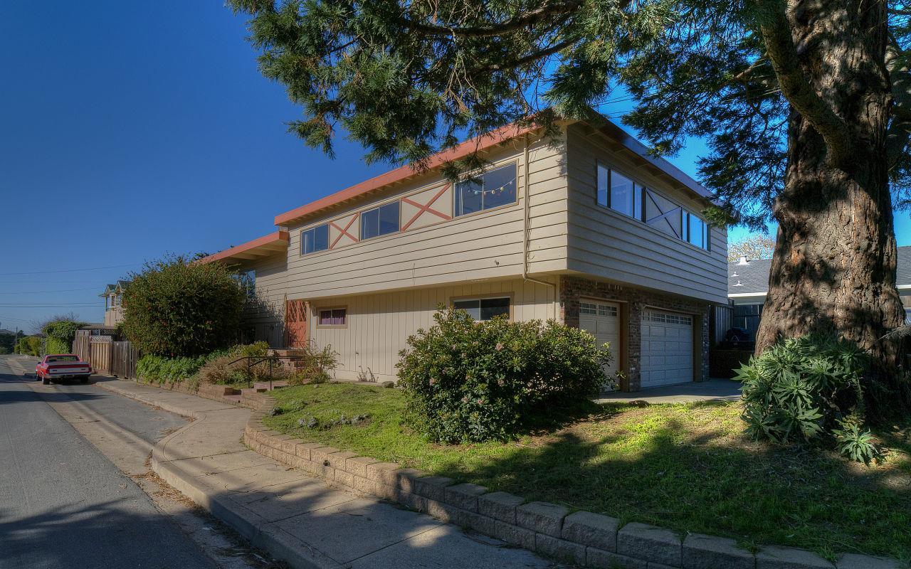獨棟家庭住宅 為 出售 在 607 San Carlos Avenue 607 San Carlos Avenue El Granada, 加利福尼亞州 94018 美國