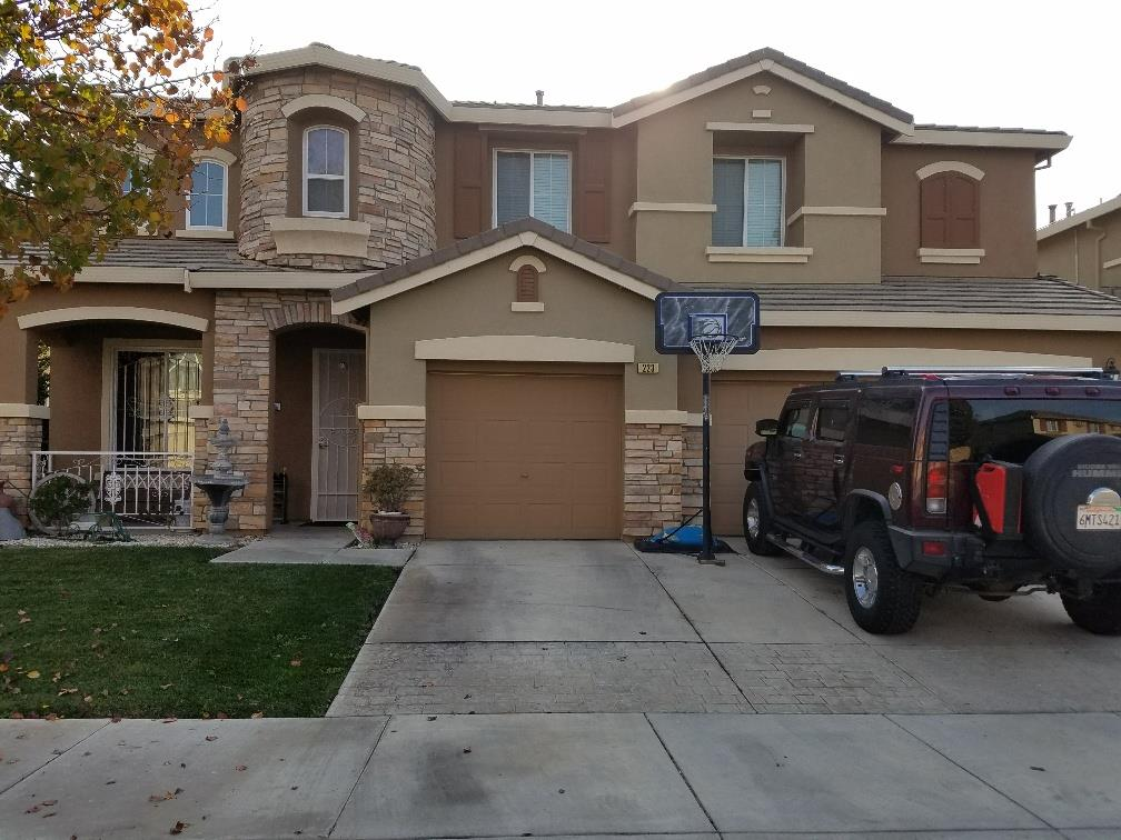 Maison unifamiliale pour l Vente à 223 San Lorenzo Street 223 San Lorenzo Street Los Banos, Californie 93635 États-Unis