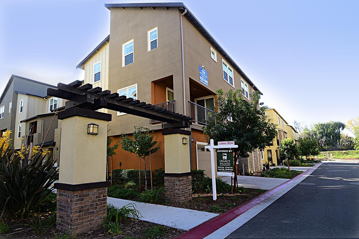タウンハウス のために 売買 アット 1433 Coyote Creek Way 1433 Coyote Creek Way Milpitas, カリフォルニア 95035 アメリカ合衆国