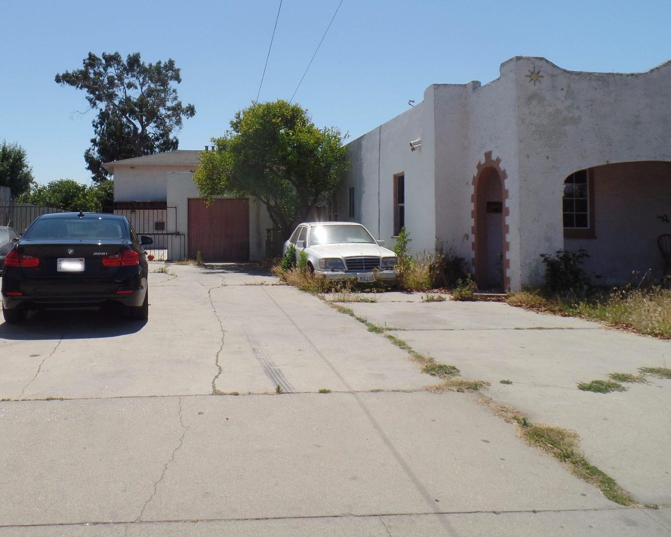 Multi-Family Home for Sale at 1022 Del Monte Avenue 1022 Del Monte Avenue Salinas, California 93905 United States