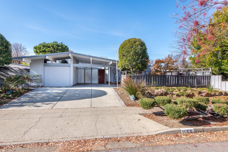 獨棟家庭住宅 為 出售 在 1155 Quince Avenue 1155 Quince Avenue Sunnyvale, 加利福尼亞州 94087 美國