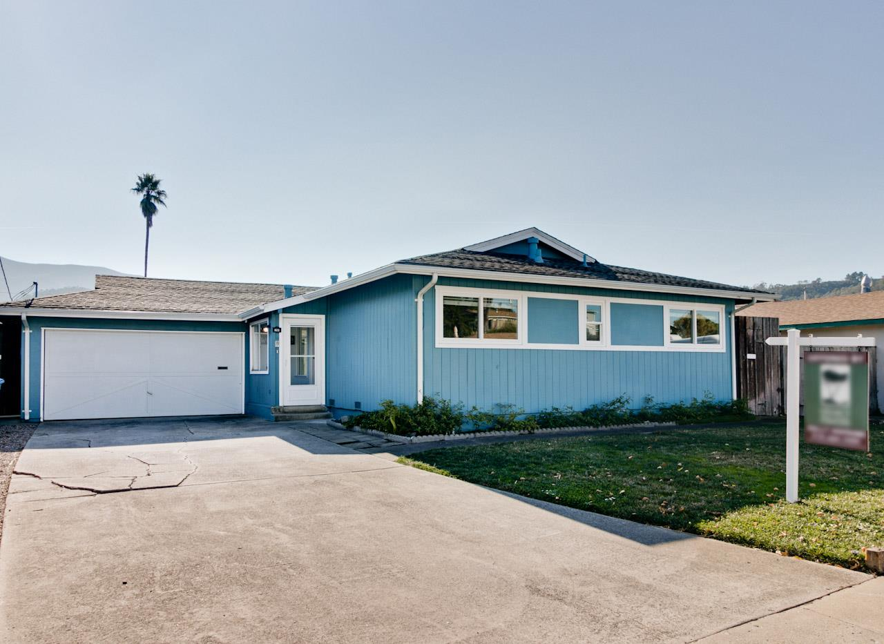 واحد منزل الأسرة للـ Sale في 820 Crespi Drive 820 Crespi Drive Pacifica, California 94044 United States
