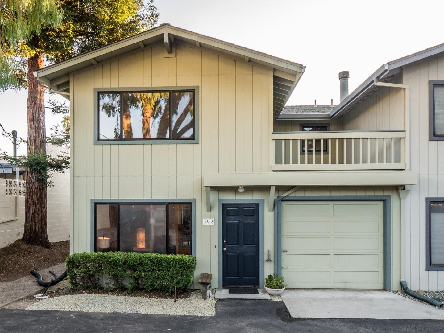 Condominio por un Venta en 1818 Brommer Street 1818 Brommer Street Santa Cruz, California 95062 Estados Unidos
