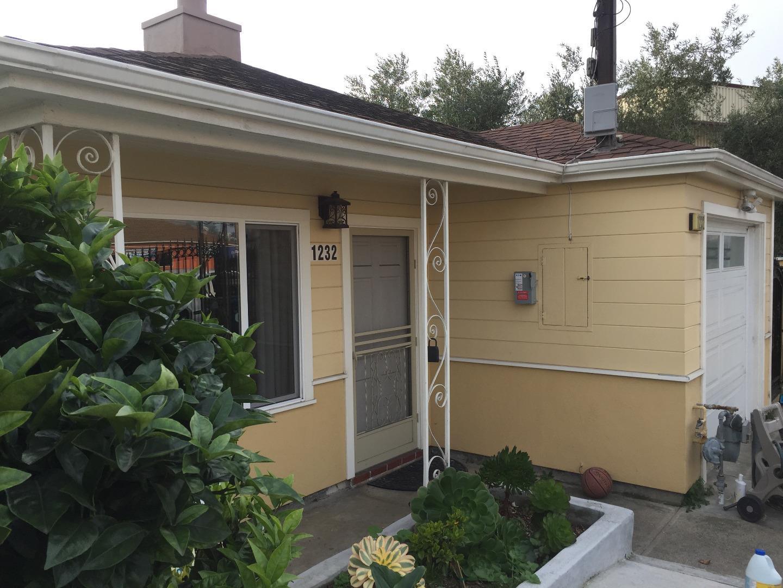 Maison unifamiliale pour l Vente à 1232 Hillside Boulevard 1232 Hillside Boulevard Colma, Californie 94014 États-Unis