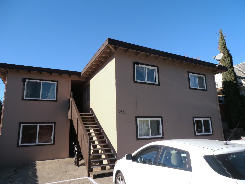 Maison avec plusieurs logements pour l Vente à 7331 Alexander Street 7331 Alexander Street Gilroy, Californie 95020 États-Unis