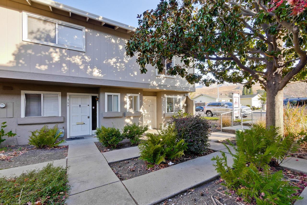 タウンハウス のために 売買 アット 371 N Temple Drive 371 N Temple Drive Milpitas, カリフォルニア 95035 アメリカ合衆国