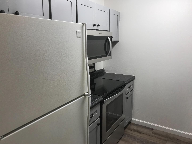 شقة بعمارة للـ Rent في 980 Kiely Boulevard 980 Kiely Boulevard Santa Clara, California 95051 United States