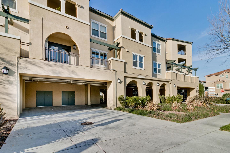 Condominio por un Venta en 1883 Agnew Road 1883 Agnew Road Santa Clara, California 95054 Estados Unidos