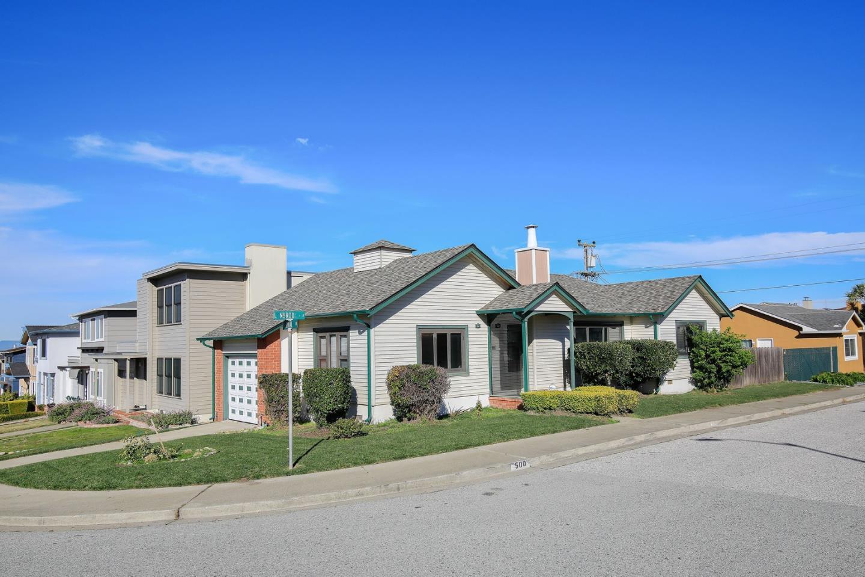 واحد منزل الأسرة للـ Sale في 500 Lynbrook Drive 500 Lynbrook Drive Pacifica, California 94044 United States