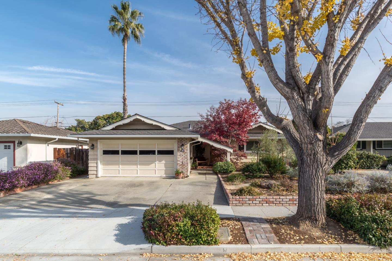 獨棟家庭住宅 為 出售 在 1634 Quail Avenue 1634 Quail Avenue Sunnyvale, 加利福尼亞州 94087 美國