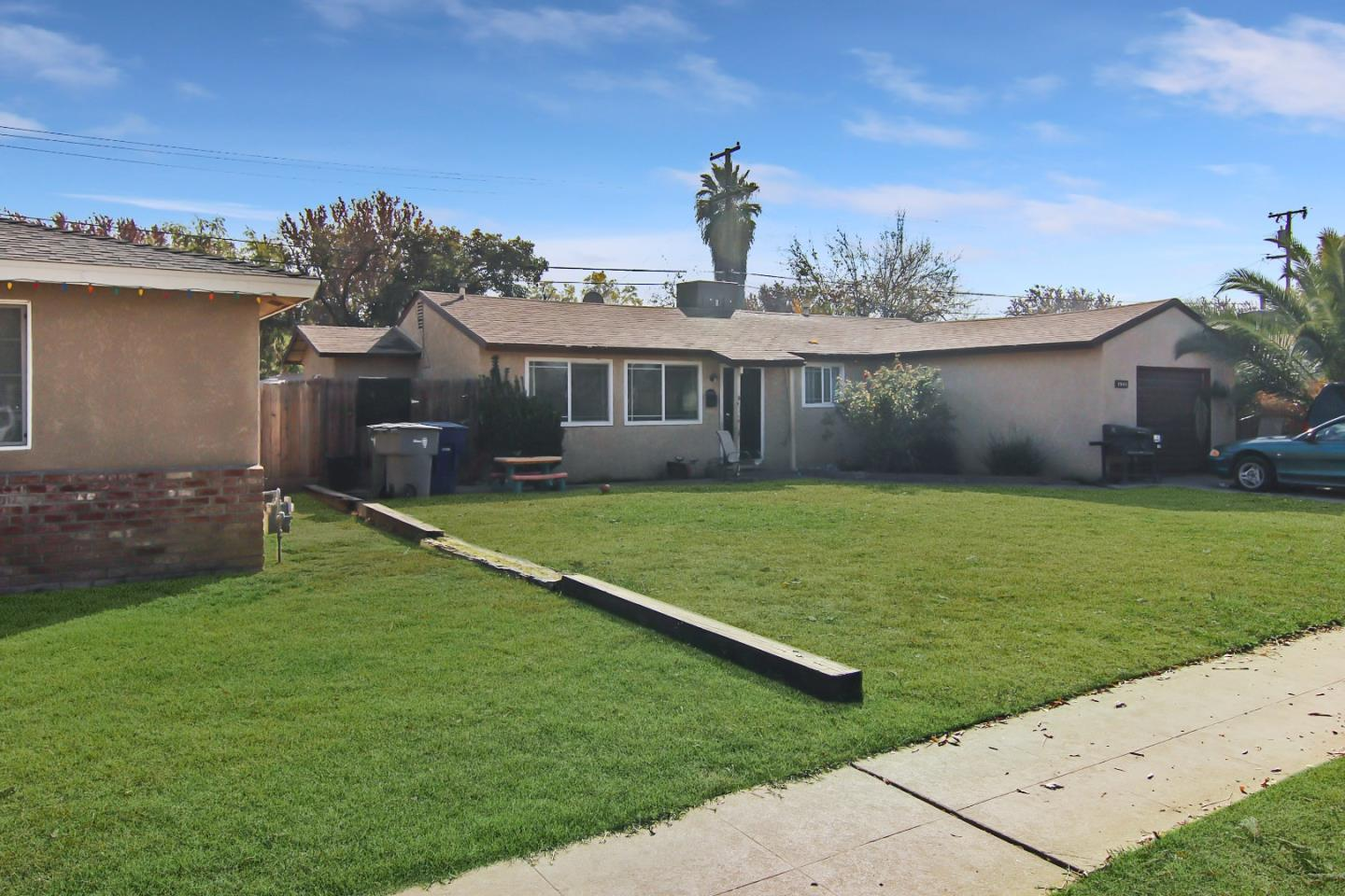 Single Family Home for Sale at 2544 E Indianapolis Avenue 2544 E Indianapolis Avenue Fresno, California 93726 United States