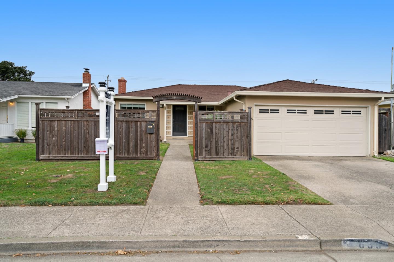 واحد منزل الأسرة للـ Sale في 635 Linda Mar Boulevard 635 Linda Mar Boulevard Pacifica, California 94044 United States
