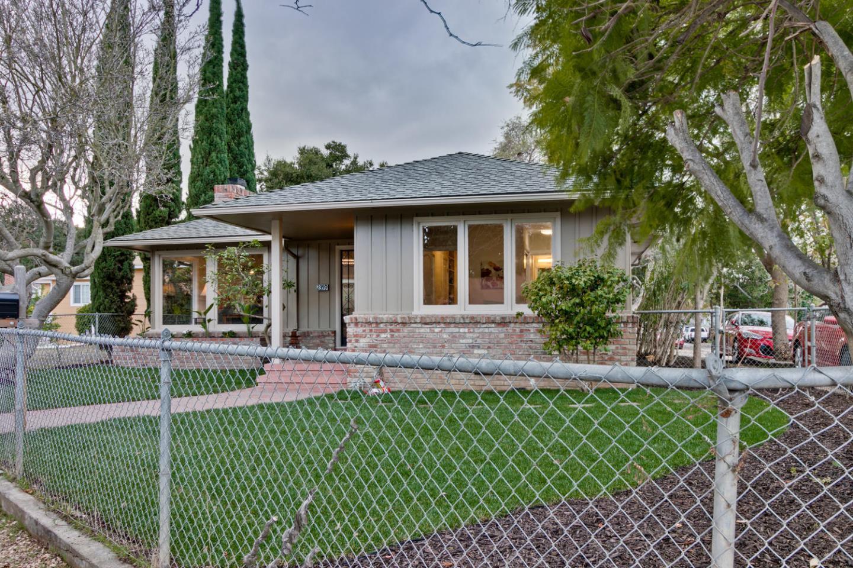 多戶家庭房屋 為 出售 在 2359 Palo Verde Avenue 2359 Palo Verde Avenue East Palo Alto, 加利福尼亞州 94303 美國
