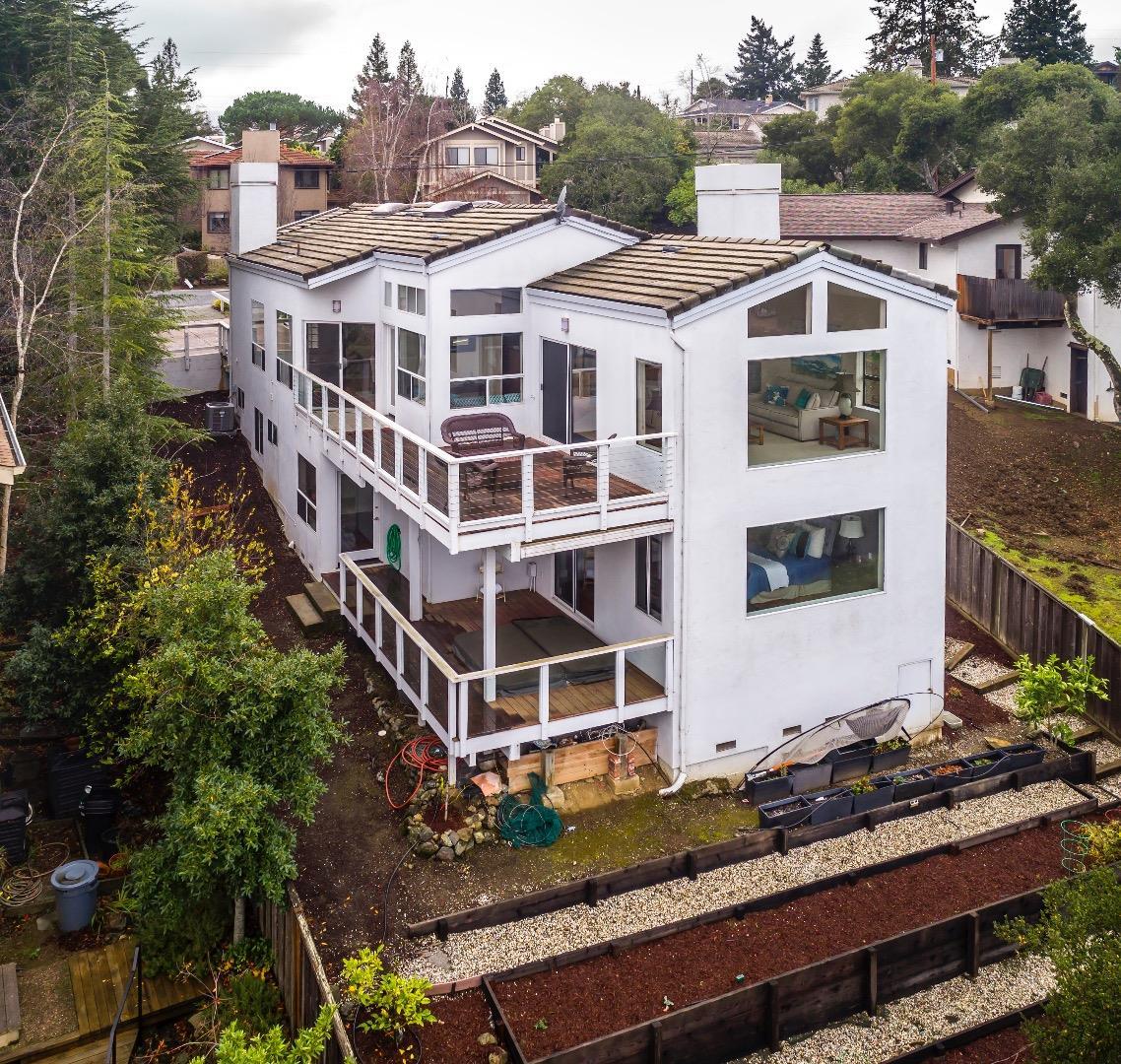 獨棟家庭住宅 為 出售 在 678 Oak Park Way 678 Oak Park Way Redwood City, 加利福尼亞州 94062 美國
