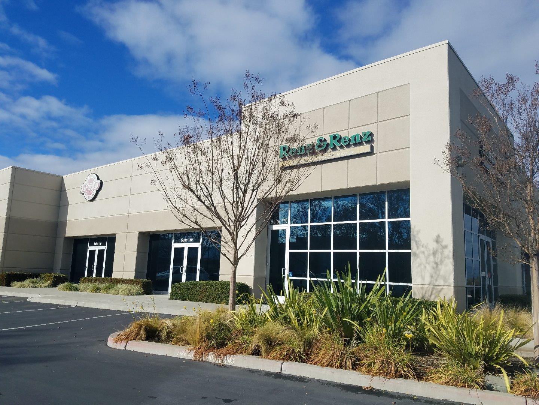 Commercial pour l Vente à 7500 Arroyo Circle 7500 Arroyo Circle Gilroy, Californie 95020 États-Unis