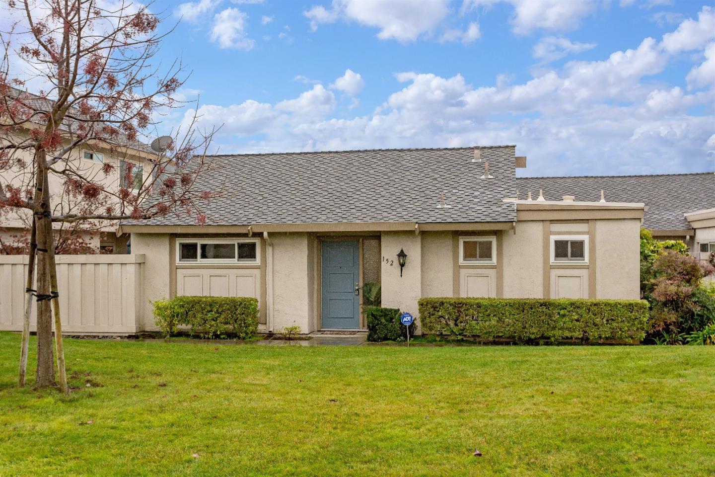 Eigentumswohnung für Verkauf beim 152 Escobar Avenue 152 Escobar Avenue Los Gatos, Kalifornien 95032 Vereinigte Staaten