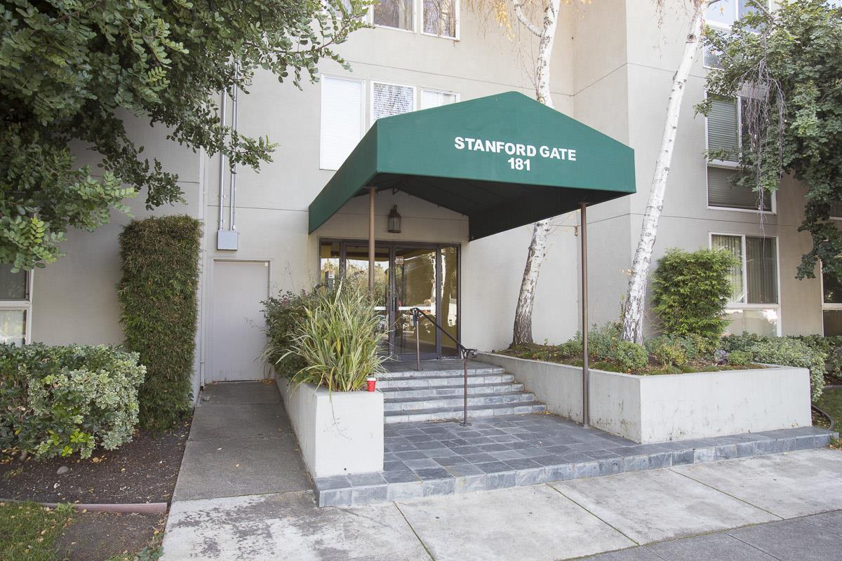 Кондоминиум для того Продажа на 181 Del Medio Avenue 181 Del Medio Avenue Mountain View, Калифорния 94040 Соединенные Штаты