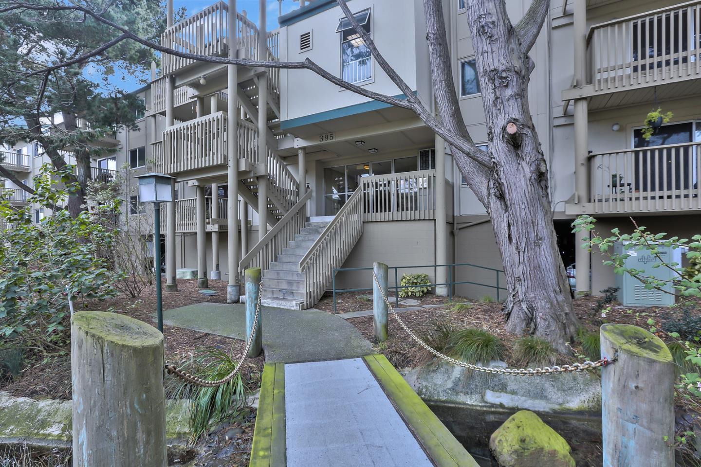 Eigentumswohnung für Verkauf beim 395 Imperial Way 395 Imperial Way Daly City, Kalifornien 94015 Vereinigte Staaten