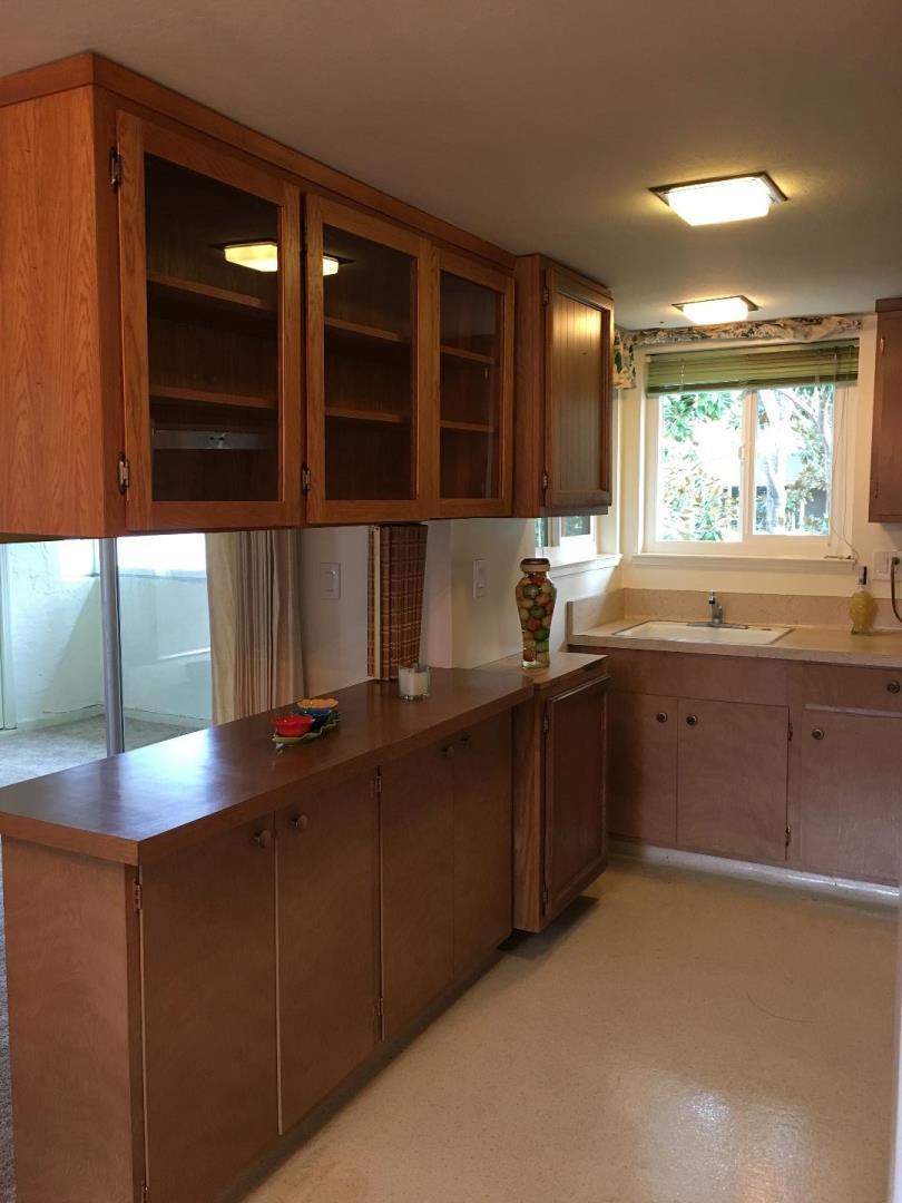 Eigentumswohnung für Verkauf beim 14225 Lora Drive 14225 Lora Drive Los Gatos, Kalifornien 95032 Vereinigte Staaten
