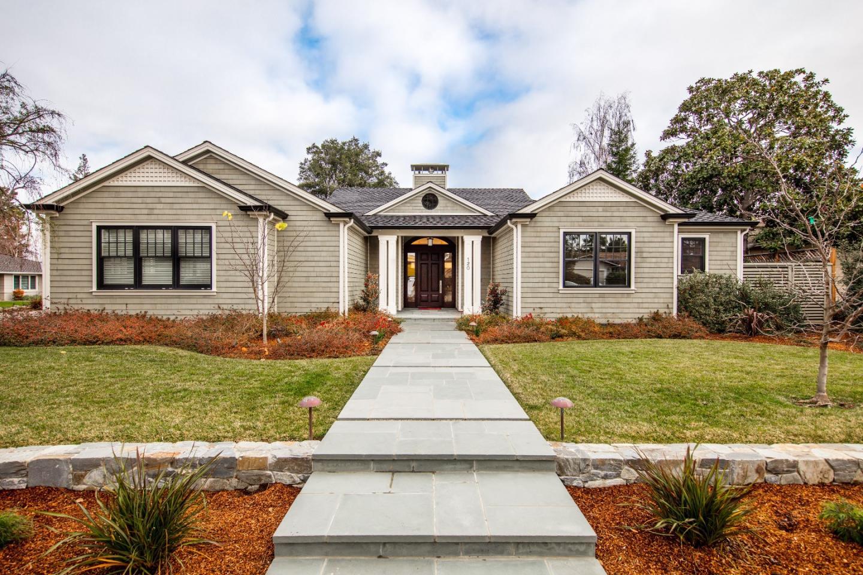 واحد منزل الأسرة للـ Sale في 120 Sioux Lane 120 Sioux Lane Los Altos, California 94022 United States