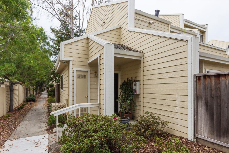コンドミニアム のために 売買 アット 576 W Parr Avenue 576 W Parr Avenue Los Gatos, カリフォルニア 95032 アメリカ合衆国