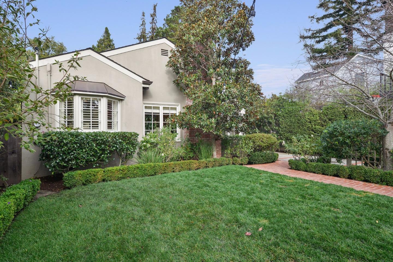 Casa Unifamiliar por un Venta en 1612 Ralston Avenue 1612 Ralston Avenue Burlingame, California 94010 Estados Unidos