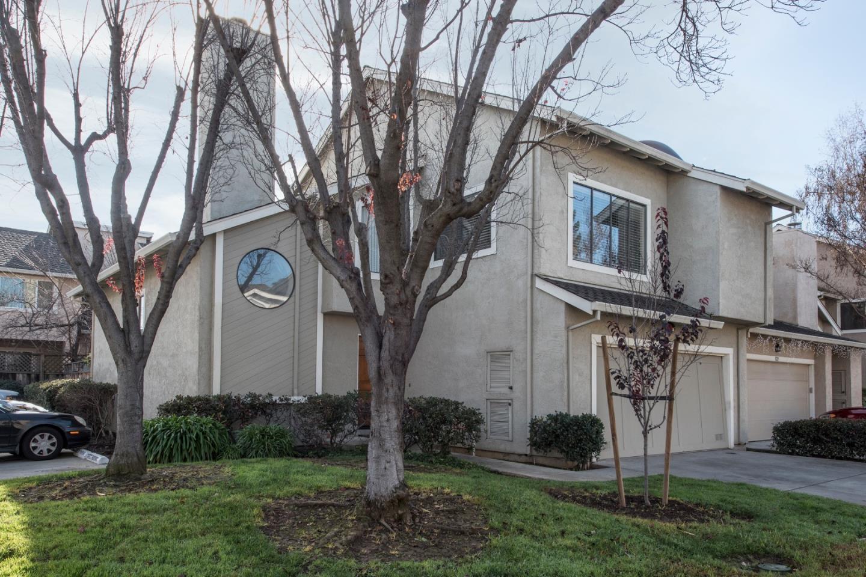 Casa unifamiliar adosada (Townhouse) por un Venta en 1121 Trevino Terrace 1121 Trevino Terrace San Jose, California 95120 Estados Unidos