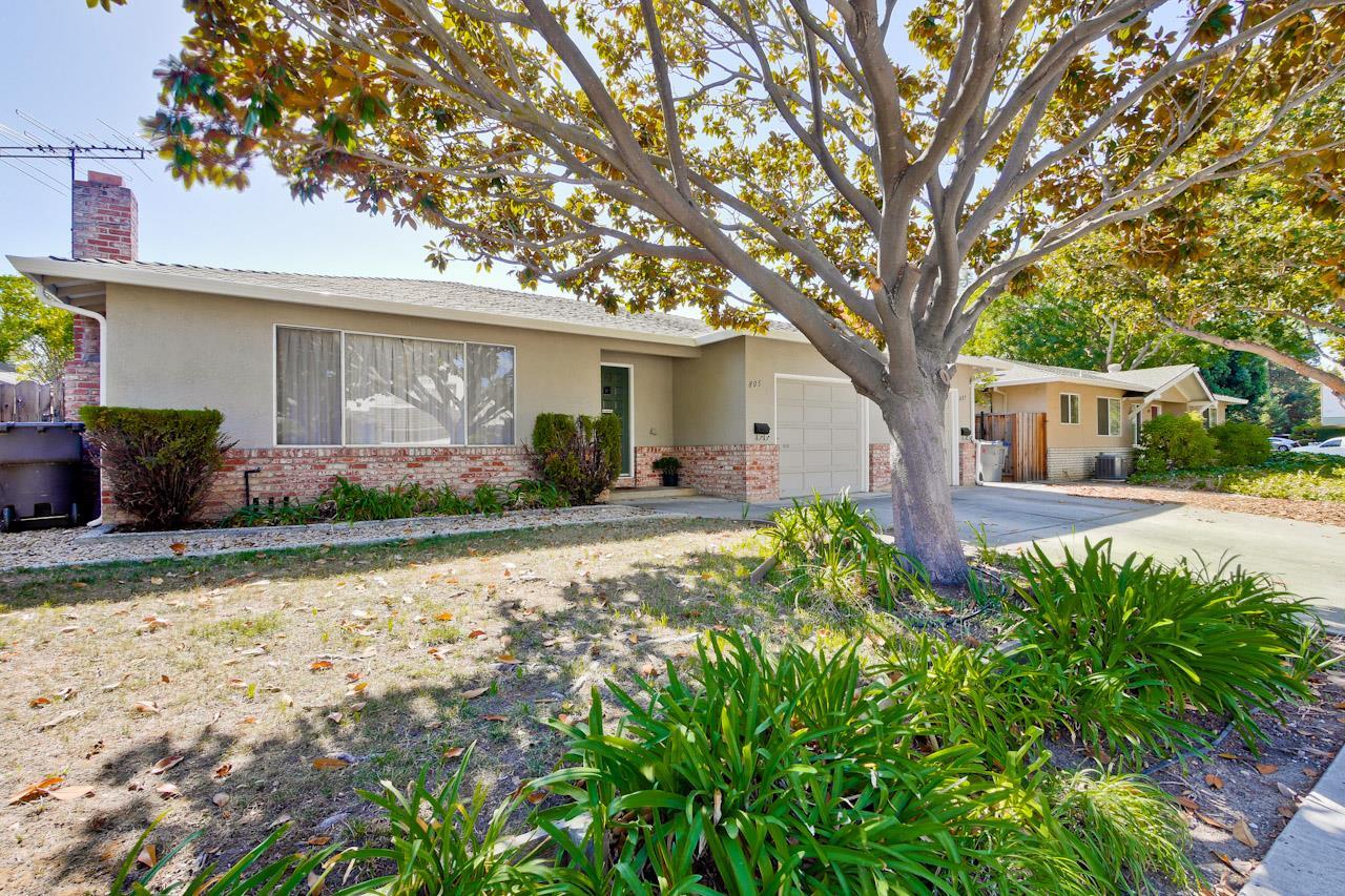Casa Unifamiliar por un Alquiler en 805 Devoto Street 805 Devoto Street Mountain View, California 94041 Estados Unidos