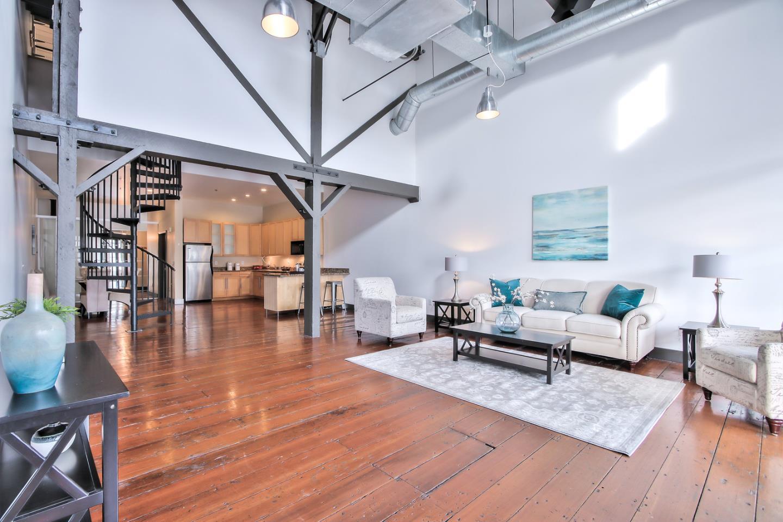 Condominio por un Venta en 1777 Lafayette Street 1777 Lafayette Street Santa Clara, California 95050 Estados Unidos