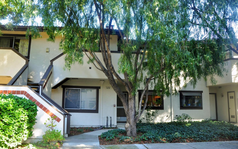 Condominio por un Venta en 1400 Bowe Avenue 1400 Bowe Avenue Santa Clara, California 95051 Estados Unidos