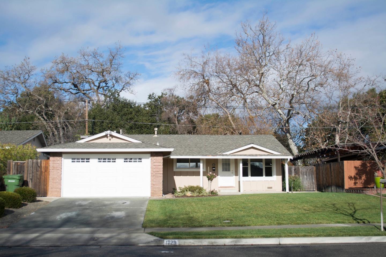 Частный односемейный дом для того Аренда на 1729 Silacci Drive 1729 Silacci Drive Campbell, Калифорния 95008 Соединенные Штаты