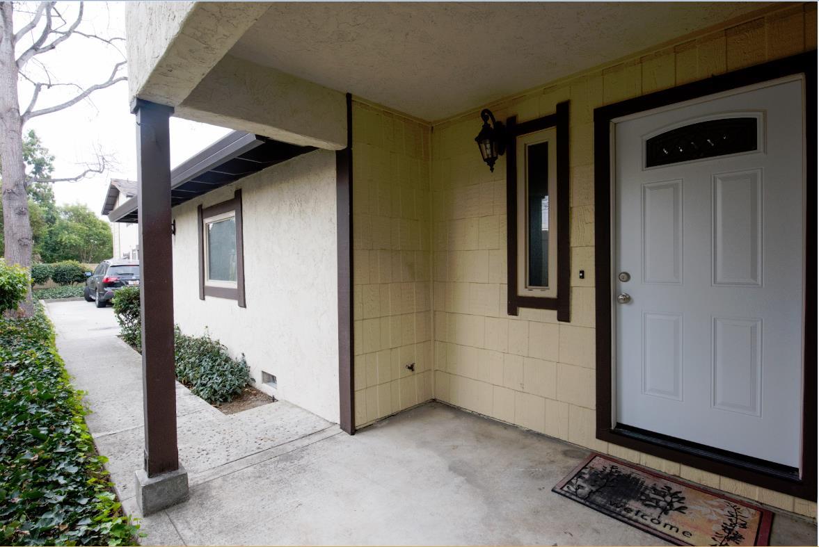 Townhouse for Sale at 2966 Lake Chabot Lane 2966 Lake Chabot Lane Castro Valley, California 94546 United States