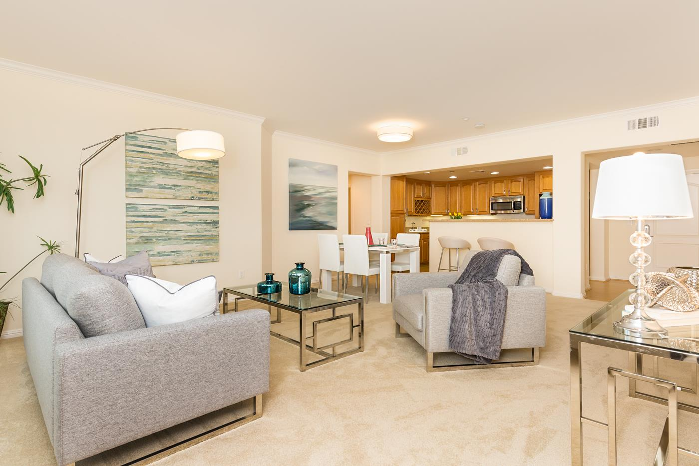 شقة بعمارة للـ Sale في 2250 Gellert Boulevard 2250 Gellert Boulevard South San Francisco, California 94080 United States