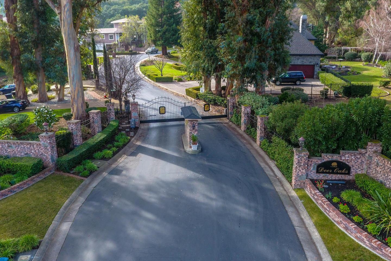 Single Family Home for Sale at 6 Deer Oaks Drive 6 Deer Oaks Drive Pleasanton, California 94588 United States