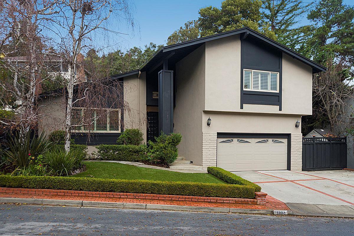 Частный односемейный дом для того Продажа на 1302 ACADEMY Avenue 1302 ACADEMY Avenue Belmont, Калифорния 94002 Соединенные Штаты